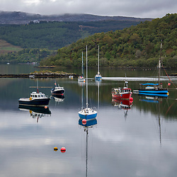 Lago da Escócia (paisagem) fotografado na Escócia, na Europa. Registro feito em 2019.<br /> ⠀<br /> ⠀<br /> <br /> <br /> <br /> <br /> ENGLISH: Scotland lake  photographed in Scotland, in Europe. Picture made in 2019.