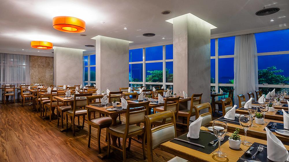 Foto para o Hotel Praia Ipanema do restaurante de café da manha e jantar para hospedes e publico.