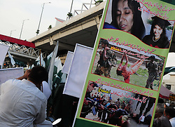 April 28, 2017 - Rawalpindi, Punjab, Pakistan - Tehreek-e-Nojawanana Pakistan supporters protest to release Aafia Siddiqui in Rawalpindi. Aafia Siddiqui is an MIT trained Pakistani neuroscientist, who was convicted on two counts of attempted murder of US national. (Credit Image: © Zubair Abbasi/Pacific Press via ZUMA Wire)
