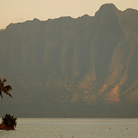 Koolau Mountains at Kualoa from Heiea Kea .