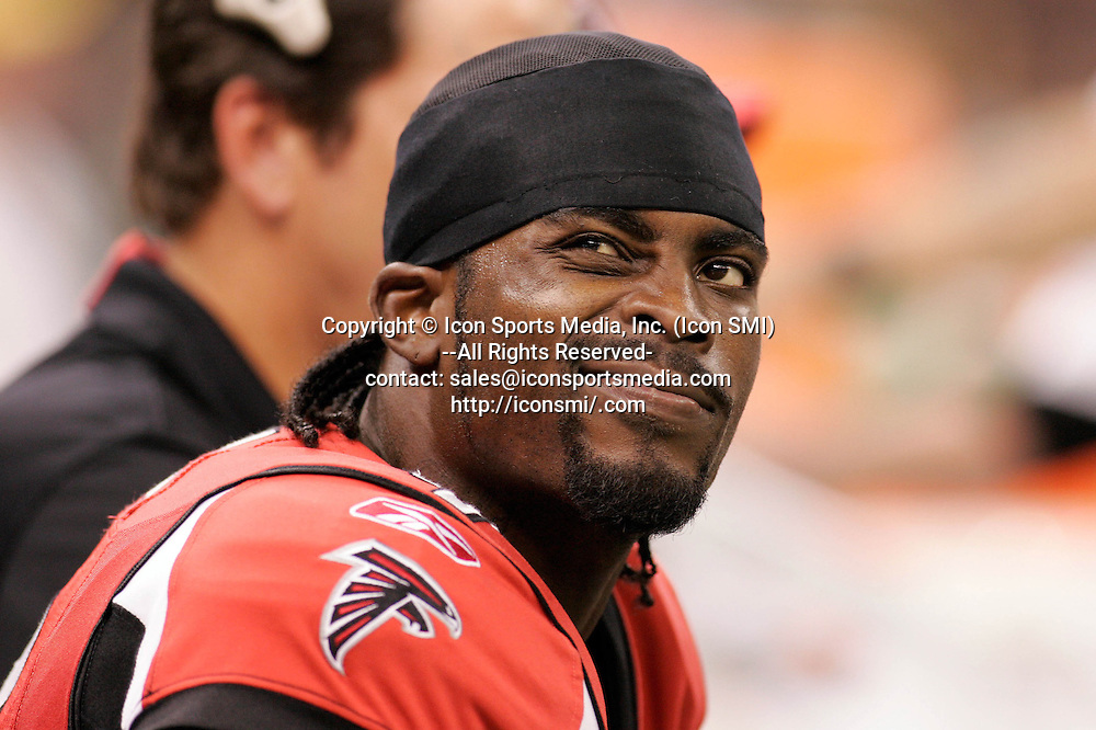 25 September 2006: Atlanta Falcons quarterback Michael Vick (7) stares at the scoreboard in the New Orleans Saints 23-3 victory over the Atlanta Falcons at the Superdome in New Orleans Louisiana.