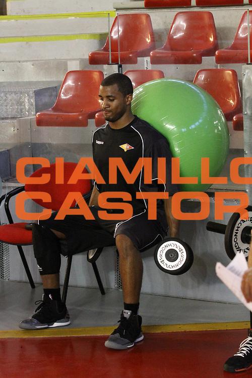 DESCRIZIONE : Roma Lega Basket A 2012-13  Raduno Virtus Roma<br /> GIOCATORE : Bobby Jones<br /> CATEGORIA : allenamento <br /> SQUADRA : Virtus Roma <br /> EVENTO : Campionato Lega A 2012-2013 <br /> GARA :  Raduno Virtus Roma<br /> DATA : 23/08/2012<br /> SPORT : Pallacanestro  <br /> AUTORE : Agenzia Ciamillo-Castoria/M.Simoni<br /> Galleria : Lega Basket A 2012-2013  <br /> Fotonotizia : Roma Lega Basket A 2012-13  Raduno Virtus Roma<br /> Predefinita :