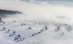 THEMENBILD, ein Dorf verschwindet im Nebel, die Landschaft in der Sonne, aufgenommen in Saalfelden, Oesterreich am 11. Feber 2015 // A village disappears in the mist, the landscape in the sun, Saalfelden, Austria on 2015/02/11. EXPA Pictures © 2015, PhotoCredit: EXPA/ JFK