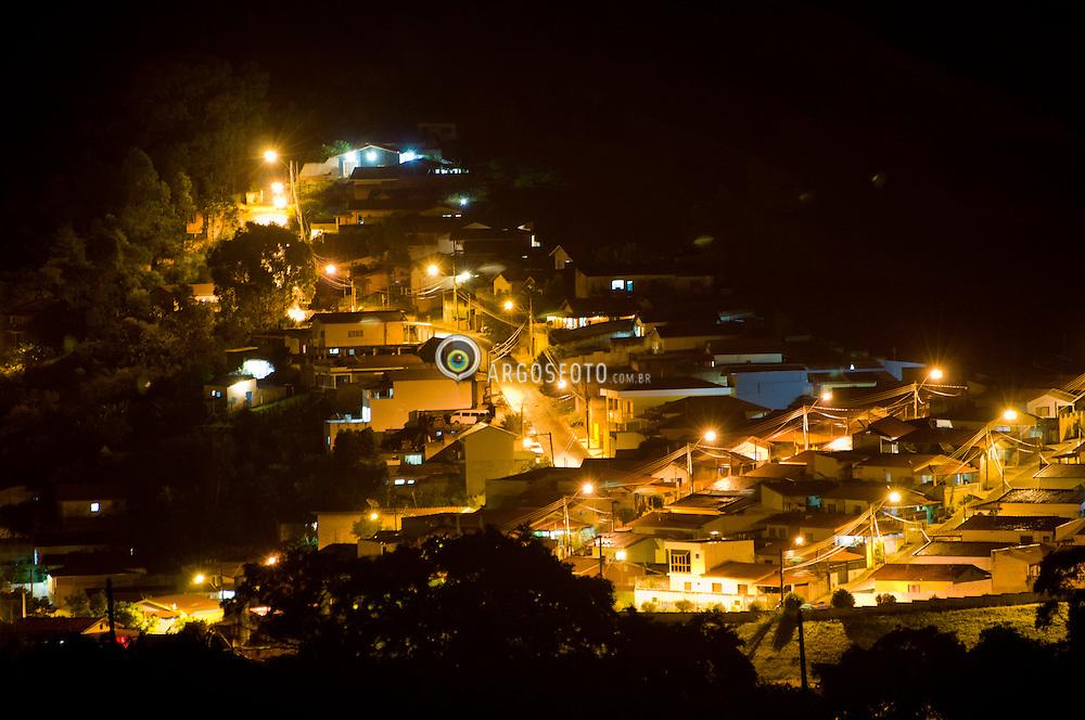 Iluminacao da cidade de Serra Negra, interior de Sao Paulo // Light at Serra Negra, country side of Sao Paulo - Brazil 2011