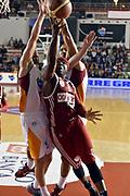 DESCRIZIONE : Roma Lega A 2014-2015 Acea Roma Openjob Metis Varese<br /> GIOCATORE : Dawan Robinson<br /> CATEGORIA : tiro sottomano<br /> SQUADRA : Openjob Metis Varese<br /> EVENTO : Campionato Lega A 2014-2015<br /> GARA : Acea Roma Openjob Metis Varese<br /> DATA : 16/11/2014<br /> SPORT : Pallacanestro<br /> AUTORE : Agenzia Ciamillo-Castoria/GiulioCiamillo<br /> GALLERIA : Lega Basket A 2014-2015<br /> FOTONOTIZIA : Roma Lega A 2014-2015 Acea Roma Openjob Metis Varese<br /> PREDEFINITA :