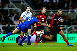 Jonny May of England goes past Jayden Hayward of Italy - Mandatory by-line: Robbie Stephenson/JMP - 06/09/2019 - RUGBY - St James's Park - Newcastle, England - England v Italy - Quilter Internationals