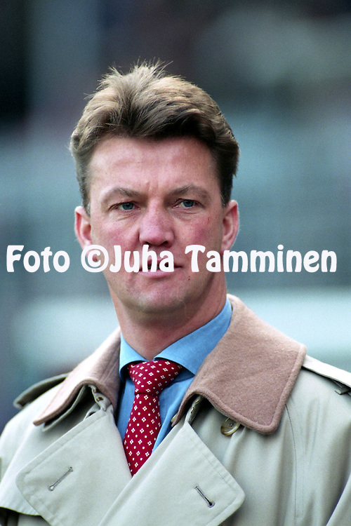 28.11.1993, Ajax Stadion, Amsterdam, Netherlands. <br /> Dutch Eredivisie, AFC Ajax v Go Ahead Eagles.<br /> Coach Louis van Gaal - Ajax