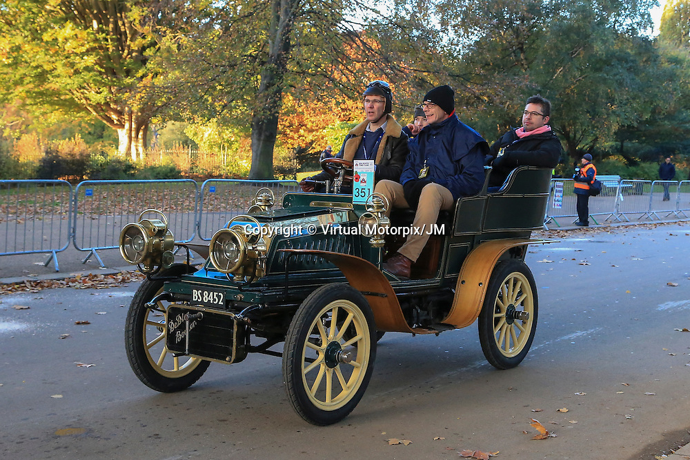 De Dion Bouton  Rear-entrance tonneau   1904    Driven By   Dr John Winer, Bonhams London to Brigthon Veteran Car Run Supported by Hiscox,, 06/11/2016,