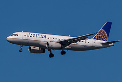 Airbus A320-232 (N441UA) operated by United Airlines on approach to San Francisco International Airport (KSFO), San Francisco, California, United States of America