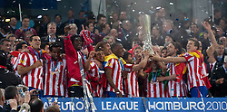 12.05.2010, Hamburg Arena, Hamburg, GER, UEFA Europa League Finale, Atletico Madrid vs Fulham FC im Bild die Mannschaft von Atletico Madrid feiert, EXPA Pictures © 2010, PhotoCredit: EXPA/ J. Feichter / SPORTIDA PHOTO AGENCY