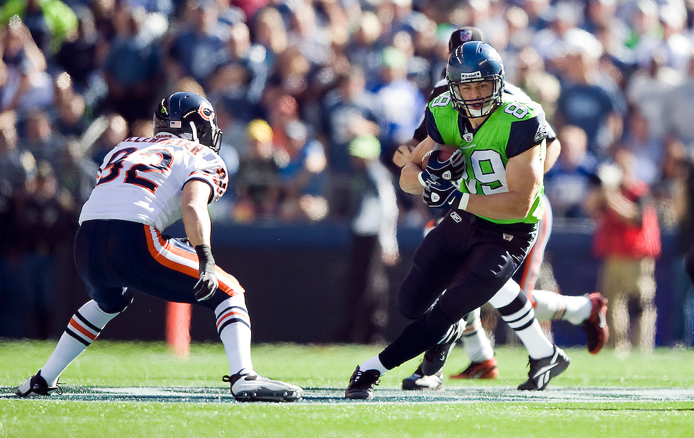 SEATTLE SEAHAWKS VS CHICAGO BEARS - Seattle's John Carlson heads upfield after catching a pass.