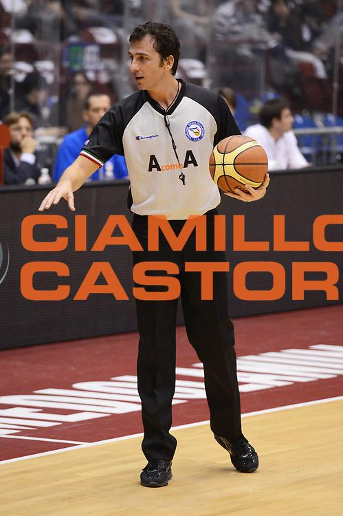 DESCRIZIONE : Milano Lega A 2012-13 EA7 Emporio Armani Milano Acea Roma<br /> GIOCATORE : arbitri<br /> CATEGORIA : curiosita mani<br /> SQUADRA : <br /> EVENTO : Campionato Lega A 2012-2013 <br /> GARA : EA7 Emporio Armani Milano Acea Roma<br /> DATA : 22/10/2012<br /> SPORT : Pallacanestro <br /> AUTORE : Agenzia Ciamillo-Castoria/GiulioCiamillo<br /> Galleria : Lega Basket A 2012-2013  <br /> Fotonotizia :  Milano Lega A 2012-13 EA7 Emporio Armani Milano Acea Roma<br /> Predefinita :
