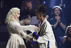 Zara Larsson und Jayden Smith bei Verleihung der MTV Europe Music Awards in Rotterdam / 061116 <br /> <br /> *** The show during the MTV Europe Music Awards in Rotterdam, Netherlands, November 06, 2016 ***