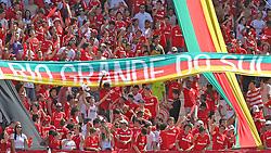 Torcida colorada na partida entre as equipes do Internacional e Gremio, valida pela 38ª rodada do Campeonato Brasileiro, no Estadio Beira Rio, em Porto Alegre. FOTO: Jefferson Bernardes/Vipcomm