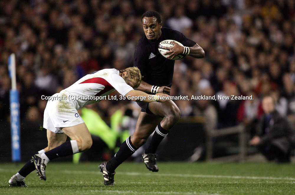 Joe Rokocoko during the All Blacks Test match against England at Eden Park, Auckland, New Zealand, on Saturday 19 June, 2004. The All Blacks defeated England,36-12<br />
