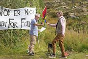 Kjell Deras og Jan Bojer Vindheim. Vindheim fra Miljøpartiet De Grønne i Sør-Trøndelag er skråsikker på at vindkraftplanene på Fosen ikke er et miljøprosjekt, muligens i motsetning til moderpartiet. Men han sier MDG sentralt nå går imot vindkraftprosjektet på Fosen.