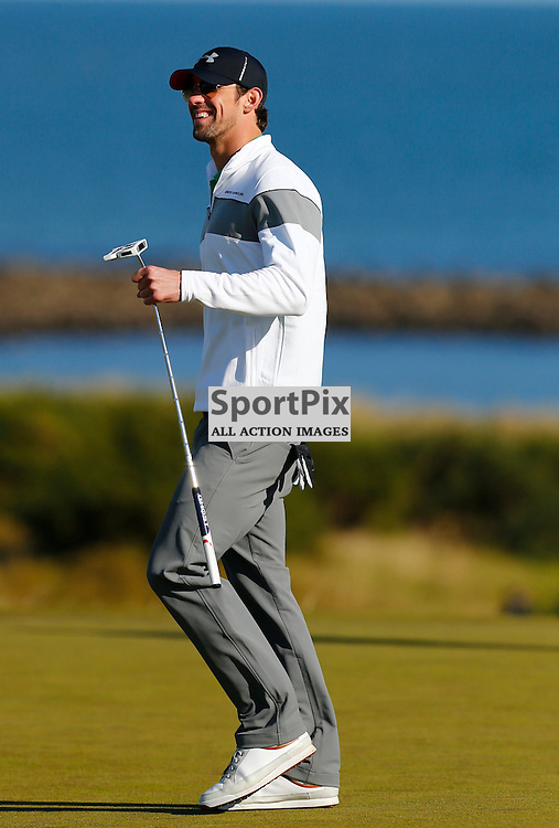 Alfred Dunhill Links Championship..Michael Phelps playing to the crowd at Kingsbarns...(c) STEPHEN LAWSON | StockPix.eu