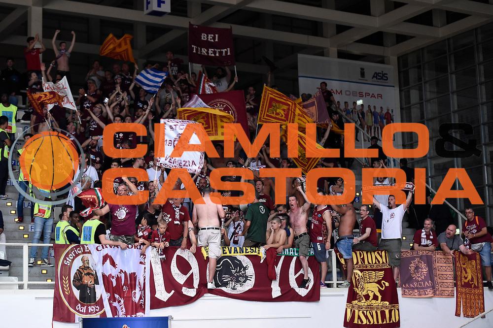 tifosi venezia<br /> Dolomiti Energia Aquila Basket Trento - Umana Reyer Venezia<br /> Lega Basket Serie A 2016/2017<br /> Playoff, finale gara 3<br /> Trento, 14/06/2017<br /> Foto M.Ceretti / Ciamillo-Castoria