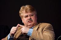 12 JAN 2010, KOELN/GERMANY:<br /> Elmar Brok, MdEP, CDU, Mitglied des Vorstandes EVP Faktion, Diskussion &quot;Das Europaeische Parlament - gestaerkt durch den Lissabon-Vertrag?&quot;, dbb Jahrestagung &quot;Europa nach Lissabon - Fit fuer die Zukunft?&quot;, Messe Koeln<br /> IMAGE: 20100112-01-126
