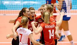 10-08-2014 NED: FIVB Grand Prix Belgie - Puerto Rico, Doetinchem<br /> Charlotte Leys, Freya Aelbrecht, Frauke Dirickx, Lise Van Hecke