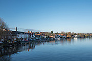 Henley, Oxfordshire. England General View; Henley Town,  New Street, Riverside, Oxfordshire  side of Henley Bridge. Thursday  01/12/2016<br /> © Peter SPURRIER<br /> LEICA CAMERA AG  LEICA Q (Typ 116)  f1.7  1/4000sec  35mm  7.2MB