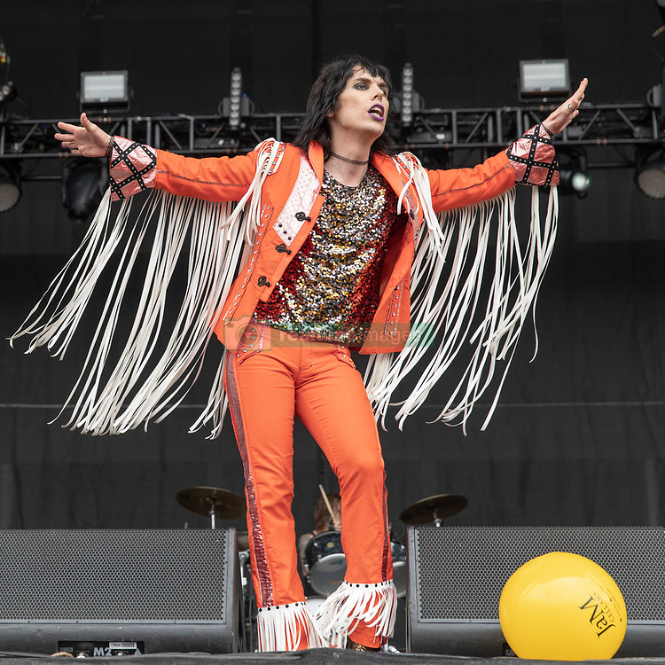 May 25, 2018 - Napa, California, U.S - LUKE SPILLER of The Struts during BottleRock Music Festival at Napa Valley Expo in Napa, California (Credit Image: © Daniel DeSlover via ZUMA Wire)