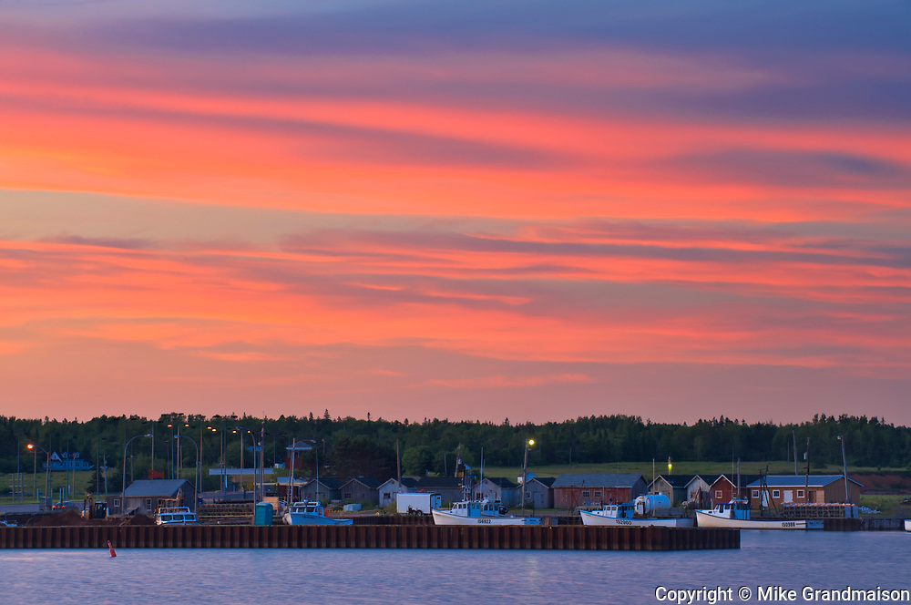 Sunset over the Northumberland Strait<br />Wood Islands<br />Prince Edward Island<br />Canada