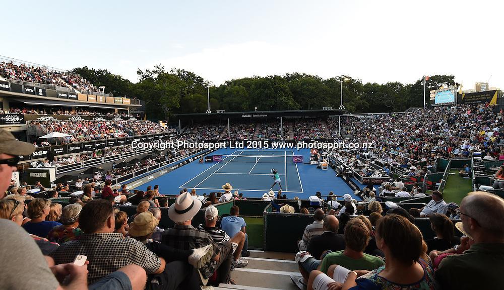 General view of centre court for the Venus Williams v Elena Vesnina Quarter Final match at the ASB Classic WTA International. ASB Tennis Centre, Auckland, New Zealand. Thursday 8 January 2015. Copyright photo: Andrew Cornaga/www.photosport.co.nz