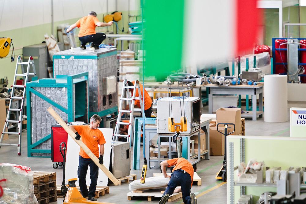 14 JUN 2011 - Castel Bolgonese (Ravenna) -Comecer (tecnologie per la Medicina Nucleare) - Produzione :-: Castel Bolognese (Italy) - Comecer: Nuclear Medicine Technology