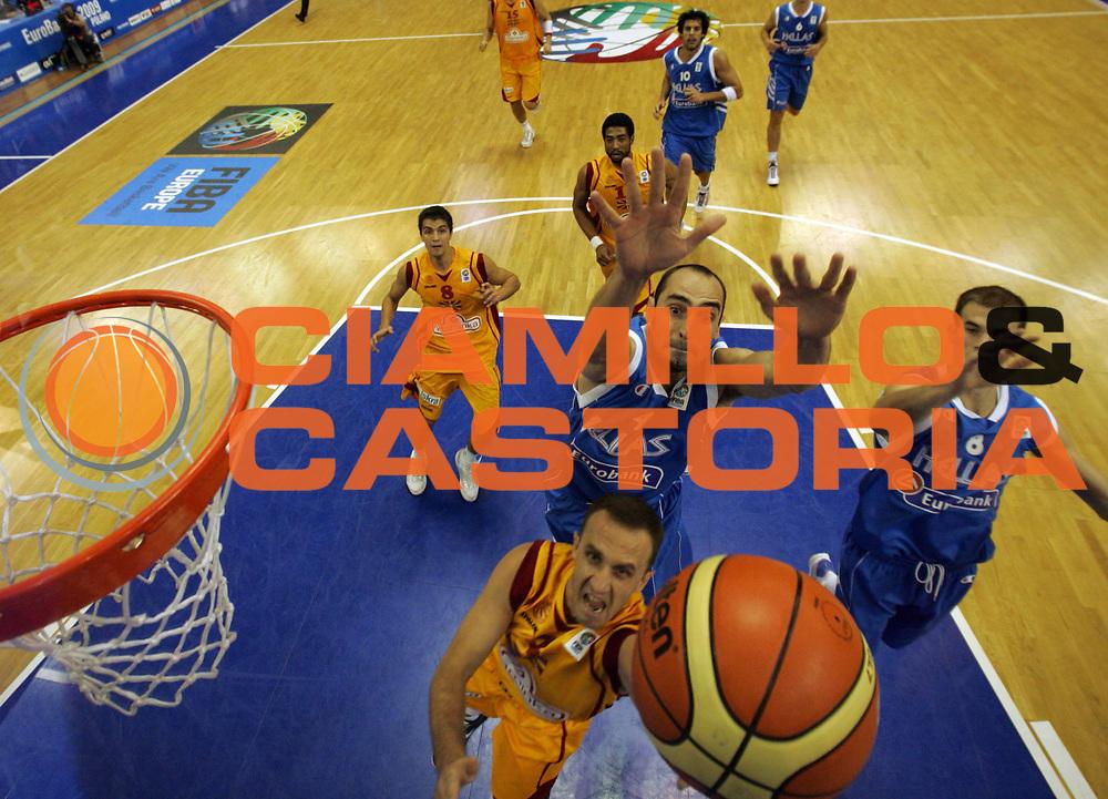 DESCRIZIONE : Poznan Poland Polonia Eurobasket Men 2009 Preliminary Round Repubblica di Macedonia Grecia F.R.Y. of Macedonia Greece<br /> GIOCATORE : Vrbica Stefanov<br /> SQUADRA : Repubblica di Macedonia F.R.Y. of Macedonia<br /> EVENTO : Eurobasket Men 2009<br /> GARA : Repubblica di Macedonia Grecia F.R.Y. of Macedonia Greece<br /> DATA : 07/09/2009 <br /> CATEGORIA : tiro shot<br /> SPORT : Pallacanestro <br /> AUTORE : Agenzia Ciamillo-Castoria/A.Vlachos<br /> Galleria : Eurobasket Men 2009 <br /> Fotonotizia : Poznan Poland Polonia Eurobasket Men 2009 Preliminary Round Repubblica di Macedonia Grecia F.R.Y. of Macedonia Greece<br /> Predefinita :