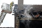 Mannheim. 23.02.17   BILD- ID 047  <br /> Schönau. Brand im Mehrfamilienhaus. Bei dem Brand in einem Vierfamilienhaus am Donnerstagnachmittag auf der Schönau ist ein geschätzter Schaden von rund 300 000 Euro entstanden. Das Feuer war im ersten Obergeschoss ausgebrochen und hatte auf das Dachgeschoss übergegriffen, teilte die Polizei mit. Die Bewohner konnten das Haus im Ludwig-Neischwander-Weg rechtzeitig verlassen. Verletzt wurde bei dem Brand niemand. Die Feuerwehr brachte den Brand unter Kontrolle. Die Brandursache ist noch nicht bekannt.<br /> Bild: Markus Prosswitz 23FEB17 / masterpress (Bild ist honorarpflichtig - No Model Release!)