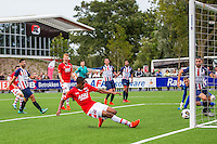 WIJDEWORMER - 03-09-2016, Jong AZ - Excelsior Maassluis, AFAS trainingscomplex, AZ speler Myron Boadu scoort hier de 1-0, doelpunt.