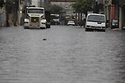 SAO PAULO, SP, 25/12/2013, ENCHENTE. Alagamento na Rua Joao Jacinto, no bairro do Bras, em decorrencia das fortes chuvas da tarde dessa quarta-feira (25). LUIZ GUARNIERI/BRAZIL PHOTO PRESS.