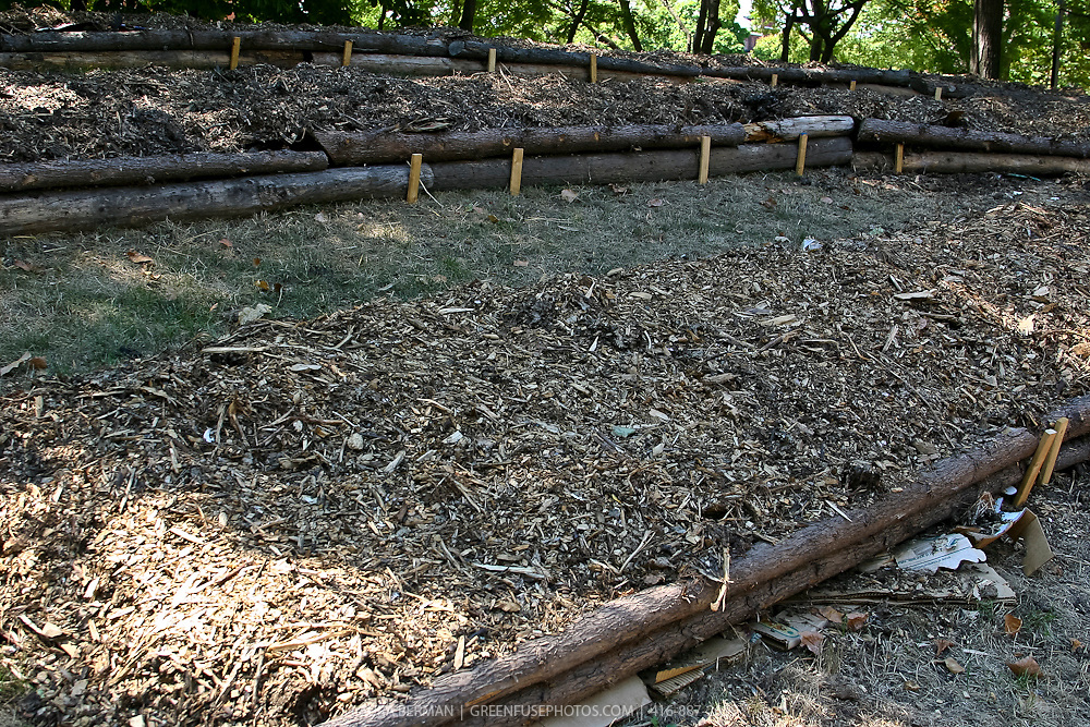 Lasagna garden bed construction
