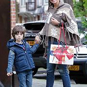 NLD/Amsterdam/20120911- Danielle Frederiks - van Aalderen en zoon Willem op de Cornelis Schuytstraat Amsterdam