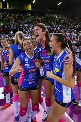 11-05-2017 ITA: Finale Liu Jo Modena - Igor Gorgonzola Novara, Modena<br /> Novara heeft de titel in de Italiaanse Serie A1 Femminile gepakt. Novara was oppermachtig in de vierde finalewedstrijd. Door een 3-0 zege is het Italiaanse kampioenschap binnen. / DONA MELISSA, CHIRICHELLA CRISTINA<br /> <br /> ***NETHERLANDS ONLY***