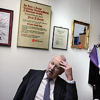 Nederland, Leiden , 10 februari 2015.<br /> Douwe Durk Breimer (Oudemirdum, 24 november 1943) was van 1 februari 2001 tot 8 februari 2007 rector magnificus van de Universiteit Leiden en vanaf 1 september 2005 tot 8 februari 2007 tevens voorzitter van het college van bestuur van deze universiteit.<br /> Breimer is hoogleraar in de farmacologie aan de Faculteit der Wiskunde en Natuurwetenschappen en de Faculteit der Geneeskunde.<br /> Onkosten: Reiskosten:105 x € 0,19=€ 19,95<br /> Parkeerautomaat: € 4,00<br /> Totaal: € 23,95<br /> Foto:Jean-Pierre Jans