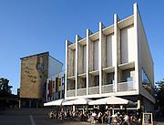 Rathaus, Café, Adenauerplatz, Friedrichshafen, Bodensee, Baden-Württemberg, Deutschland