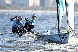 49erFX, 2016 Olympic Sailing Games-Rio-Brazil, ANP Copyright Thom Touw, fx-BRA- Martine Soffiatti Grael/Kahena Kunze, Olympische Spelen Zeilen