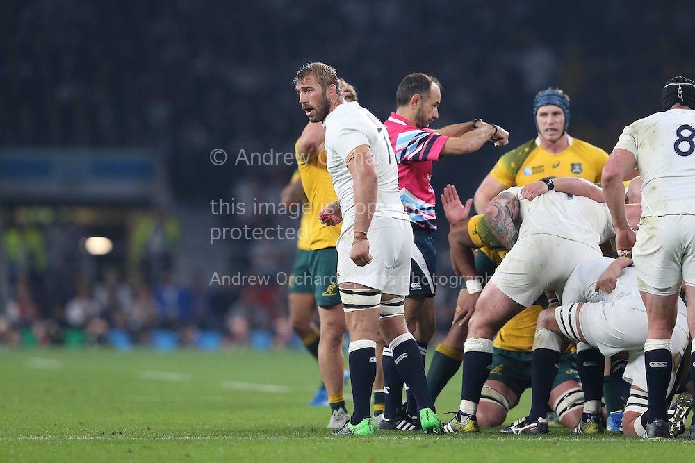Chris Robshaw, the England captain shouting at his players. Rugby World Cup 2015 pool A match, England v Australia at Twickenham Stadium in London, England  on Saturday 3rd October 2015.<br /> pic by  John Patrick Fletcher, Andrew Orchard sports photography.