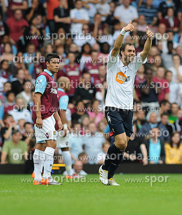 21.08.2010, Boleyn Ground, London, ENG, PL, West Ham United vs Bolton Wanderers, im Bild Johan Elmander (r) celebrates 1-0 own goal from Matthew Upson (captain) in the first half of the football game...West Ham vs Bolton.English Championship. EXPA Pictures © 2010, PhotoCredit: EXPA/ IPS/ Daniel Cawthorne +++++ ATTENTION - OUT OF ENGLAND/UK +++++ / SPORTIDA PHOTO AGENCY