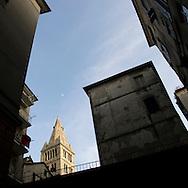 Genova, centro storico. Campanile della Basilica delle Vigne. Genoa historical center, bell tower of the Basilica delle vigne.