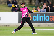 Lea Tahuhu fielding. Women's T20 international Cricket, Australia v New Zealand White Ferns.  Manuka Oval, Canberra, 5 October 2018. Copyright Image: David Neilson / www.photosport.nz