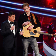 NLD/Hilversum/20180216 - Finale The voice of Holland 2018, winnaar Jim van der Zee en Martijn Krabbe