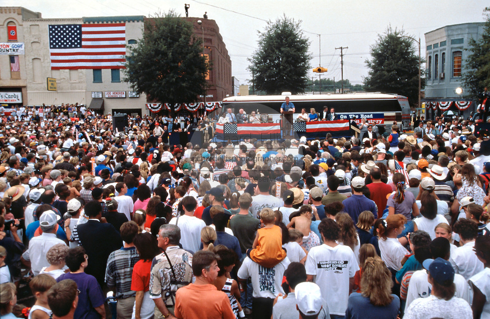 US President Bill Clinton during a campaign stop on their bus tour August 31, 1996 in Dyersburg, TN.