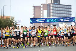 © Licensed to London News Pictures . 15/10/2017 . Manchester , UK . Athletes at the start line , taking part in the Greater Manchester Half Marathon in Old Trafford . Photo credit : Joel Goodman/LNP