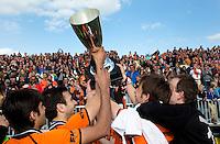 EINDHOVEN - na de finale play off wedstrijd tussen de mannen van Oranje-Zwart en Bloemendaal. OZ wint de titel. ANP KOEN SUYK