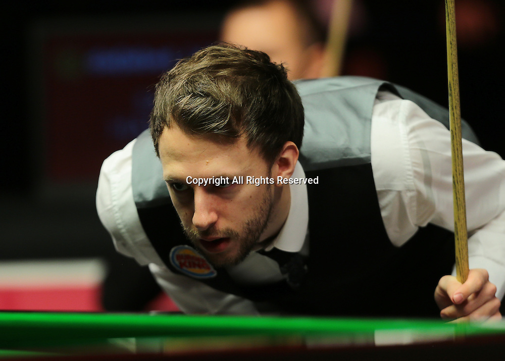 16.01.2016.  Alexandra Palace, London, England. Masters Snooker. Semi Finals. Judd Trump eyes up his next pot on his way to winning frame four