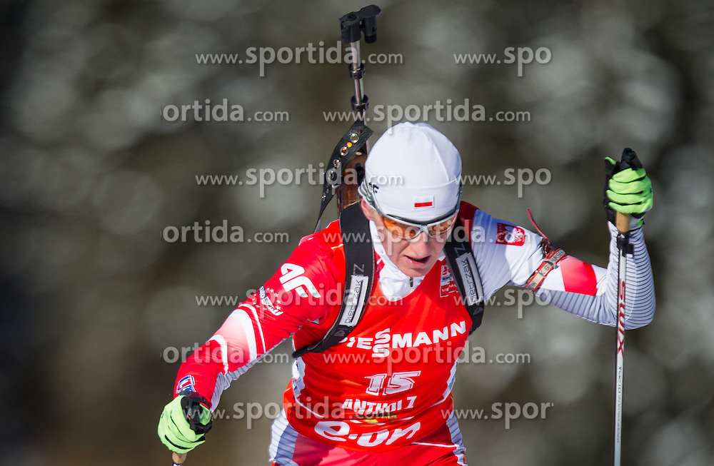 19.01.2013, Suedtirol Arena, Antholz, ITA, E. ON IBU Weltcup, Verfolgung, Damen, im Bild Magdalena Gwizdon (POL) // Magdalena Gwizdon of Poland  during Womens Pursuit of E. ON IBU Biathlon World Cup at the Biathlonstadium in Anterselva, Italy on 2013/01/19. EXPA Pictures © 2013, PhotoCredit: .EXPA/ Juergen Feichter