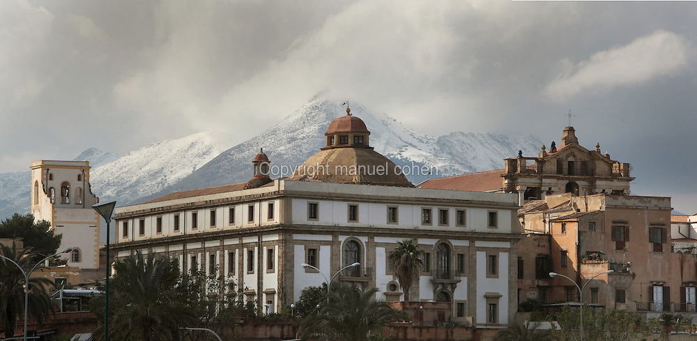 Kalsa district with snow-capped mountains in the background, Palermo, Sicily, Italy. Picture by Manuel Cohen
